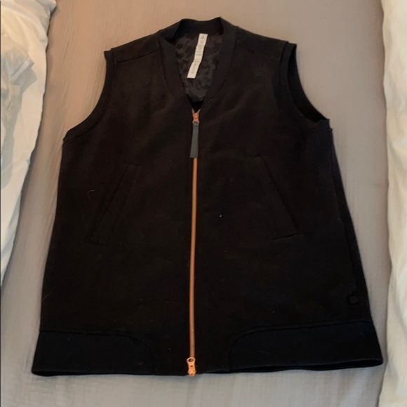 Lululemon Black Cotton Vest. Size 10